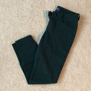 Dark green pixie ankle pants
